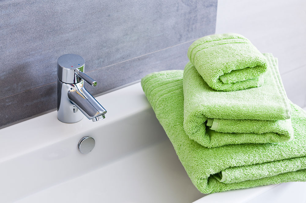New Year, New Bathroom – It\'s Time to Get Green! Aquinelle Toilet ...